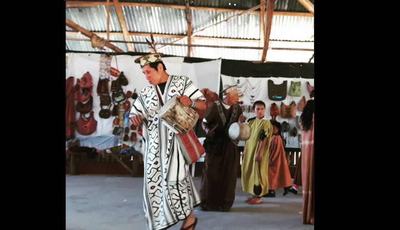 Comunidad nativa de Tsachopen. Está comunidad se encuentra a 5 km de la ciudad de Oxapampa. Podrás conocer sus artesanías hechas de madera o plumas y pasar un momento especial siendo parte de sus costumbres. (Foto: Instagram/ @77radio)